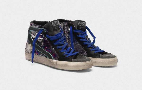 Golden Goose Sneakers Outlet have